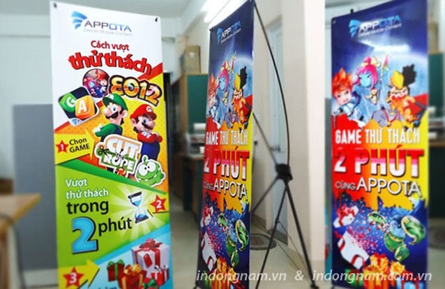 In banner, in standee treo giá chữ x