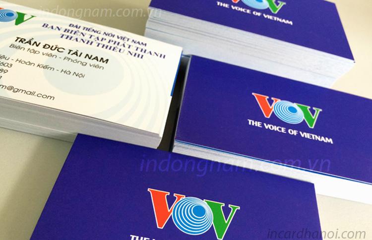 làm in card visit VOV
