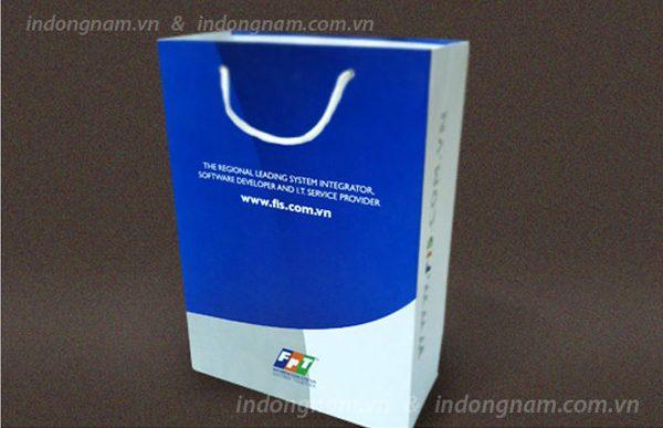 In túi giấy đựng sản phẩm cho các shop kinh doanh đồ điện tử, giải trí