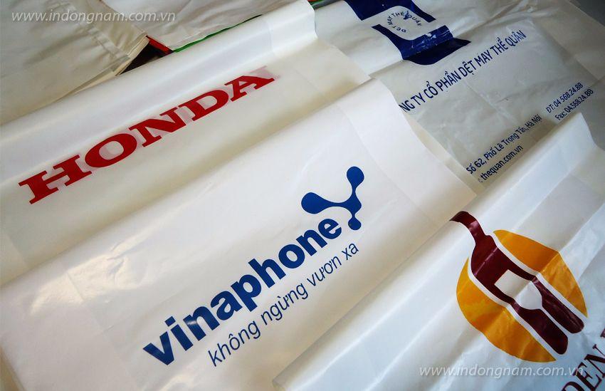 in túi nilon đựng quà tặng cho các thương hiệu lớn