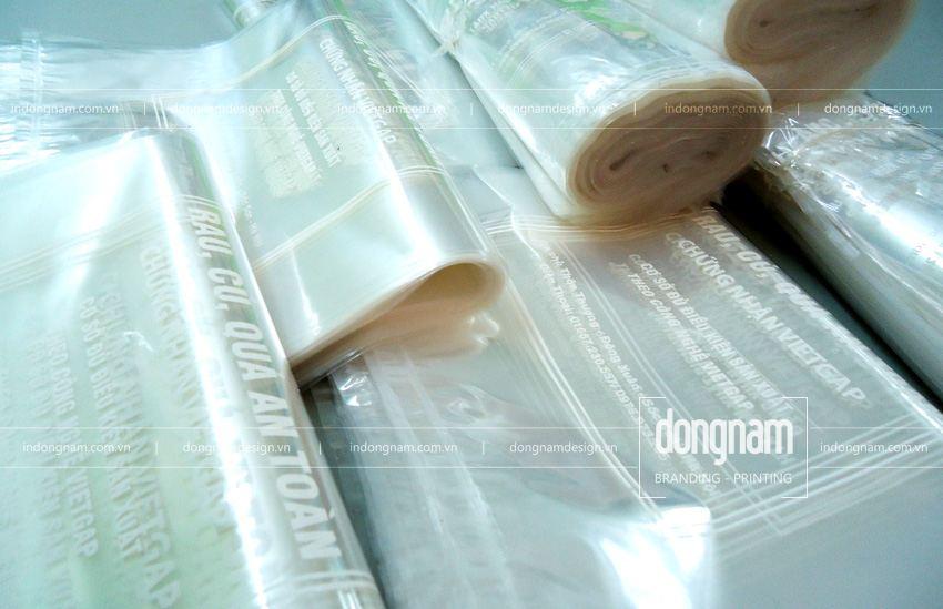 in túi bóng kính trong suốt cửa hàng rau sạch